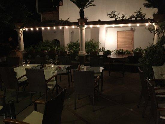 Ristorante Max: The courtyard.