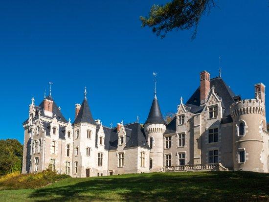 Monts, Frankreich: un château du XVI ème siècle magnifiquement restauré
