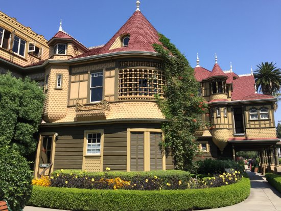 The winchester house picture of winchester mystery house for The winchester house