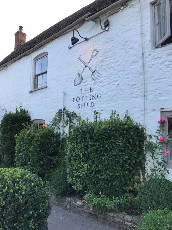 Crudwell, UK: The Potting Shed, Cotswolds