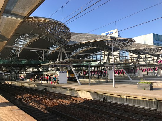 Leuven Train Station : ルーヴェン駅