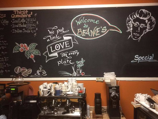 Sherbrooke, Canadá: Our friend Gabi from Germany created some lovely chalkboard art for us.