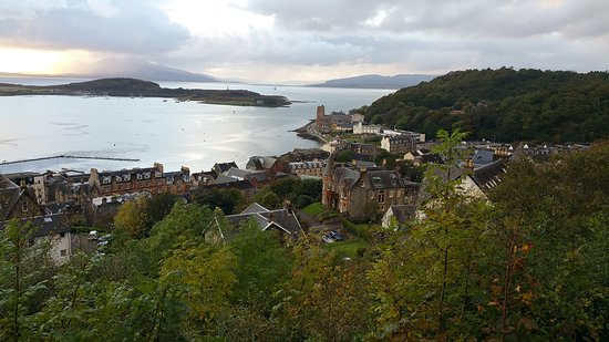 Failte Bed & Breakfast : View of Oban from the tower. One block from Failte.