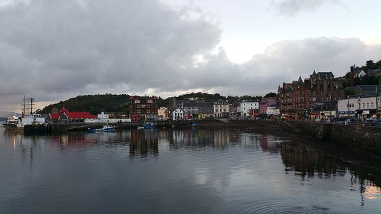 Failte Bed & Breakfast : View of Oban from the pier. 5 min walk from Failte.