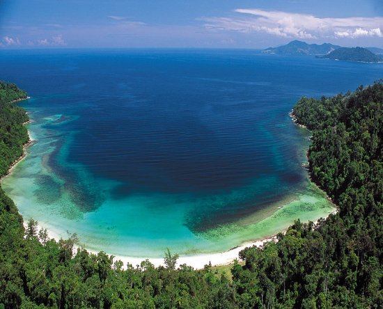 Le Meridien Kota Kinabalu: An aerial view of pristine Police Beach on Gaya Island, 45 minutes away by boat