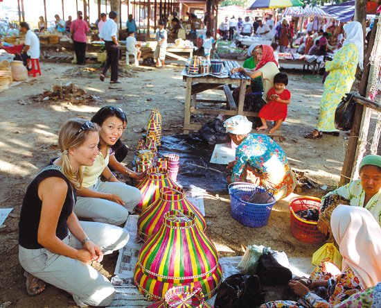 Le Meridien Kota Kinabalu: The Tamu, a vibrant weekly market