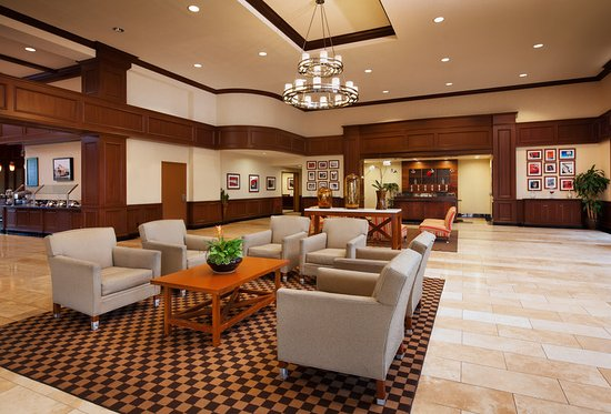 Rancho Cucamonga, CA: Lobby and Front Desk