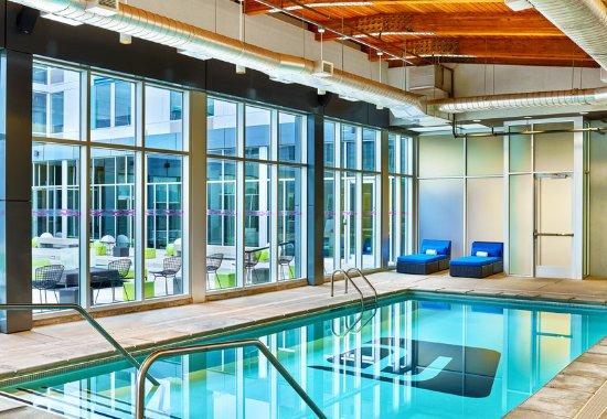 Aurora, CO: Pool