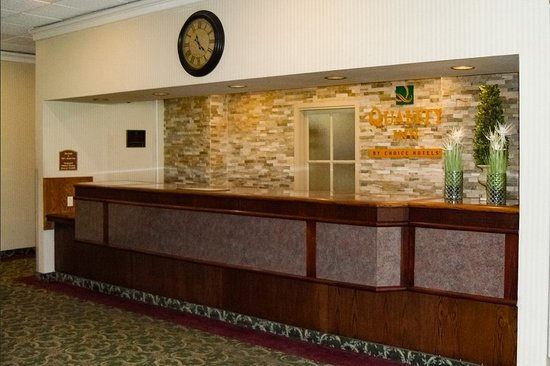 Owen Sound, Canada: Front desk
