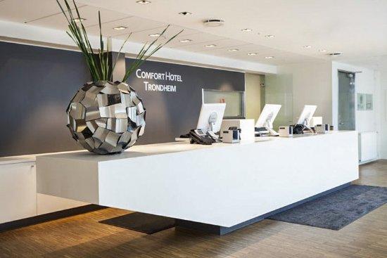 Comfort Hotel Trondheim: Front desk