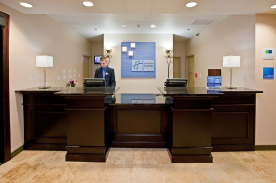 Shelbyville, IN: Front Desk