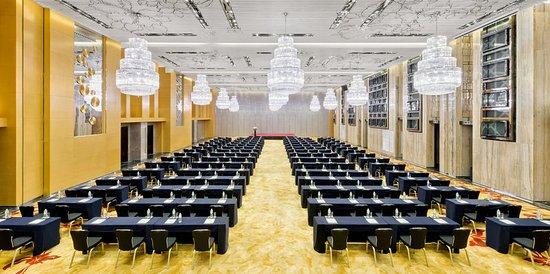 Yuhuan City, China: Grand Ballroom Classroom Style