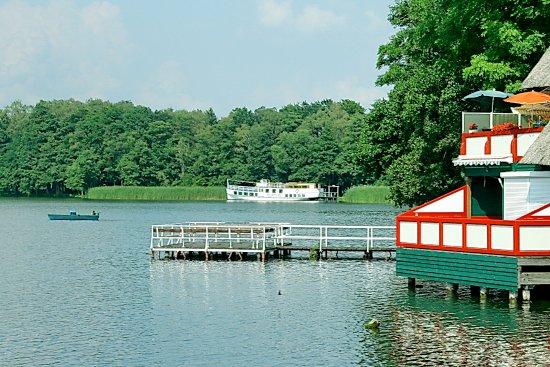 Wusterhausen, Alemania: Bootshäuser am Klempowsee