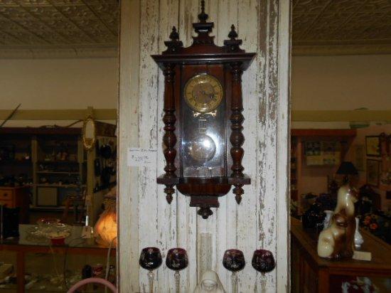 Waldron, AR : Antique Clocks.  Very nice