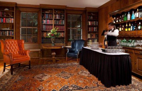 วอร์เรนตัน, เวอร์จิเนีย: International House Library
