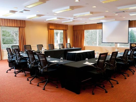 Warrenton, VA: Meeting Room