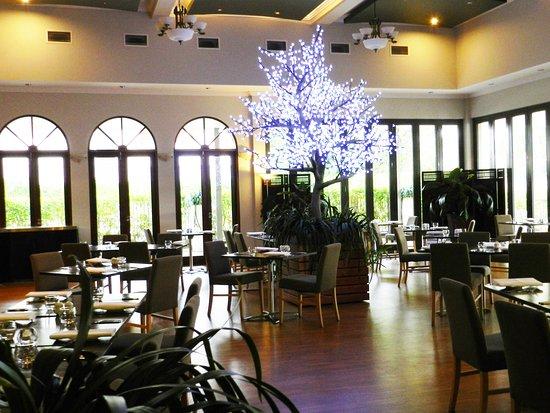 Shangri La Gardens Sylvia S Restaurant And Wine Bar