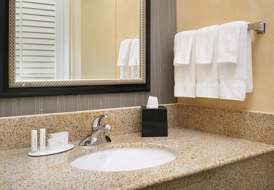Maryland Heights, MO: Guest Bathroom