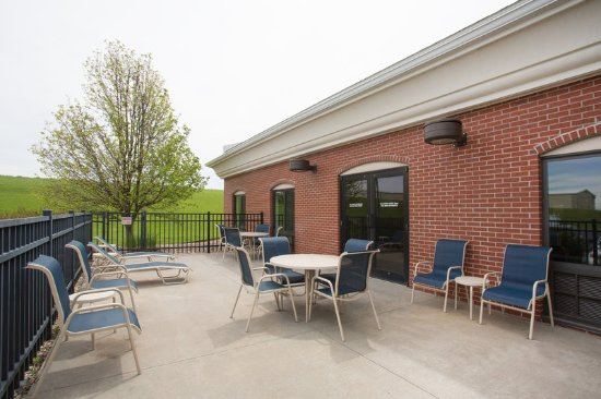 Concordia, KS: Enjoy your morning coffee and and paper on our outdoor patio.