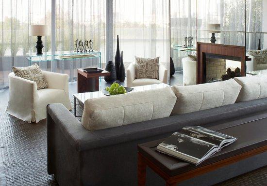 Las Alcobas: Suite Living Room