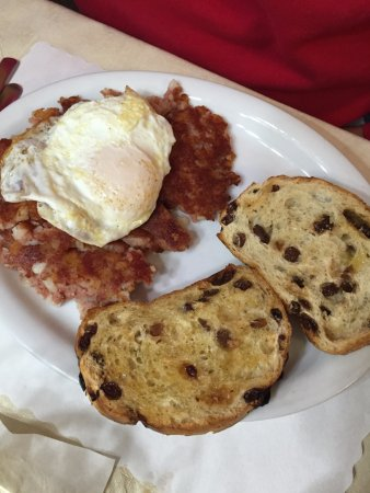 Minocqua, WI: eggs and corn beef hash with cinnamon raisin toast