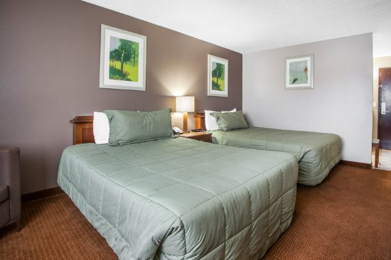 Okanogan, WA: Guest room with two beds