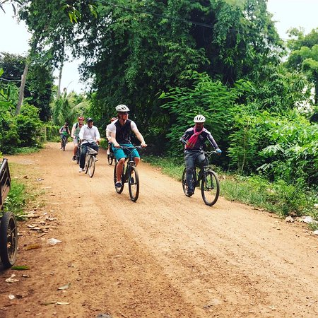 Battambang, Cambodia: New experiences with cycling trip