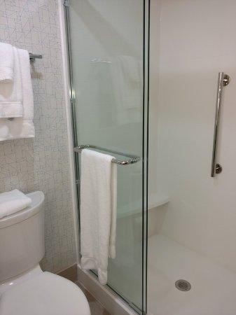 Woonsocket, RI: Rooms