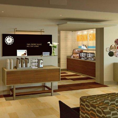 Holiday Inn Express & Suites Manhattan: Breakfast Area