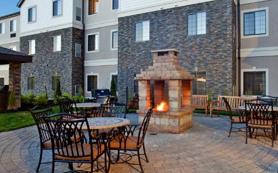 Independence, MO: Guest Patio- Fire Pit