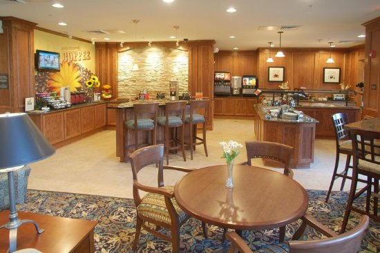Independence, MO: Breakfast Area