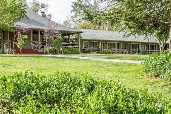 Oakhurst, CA: Exterior