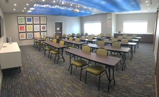Holiday Inn Express & Suites- Southaven Meeting Room