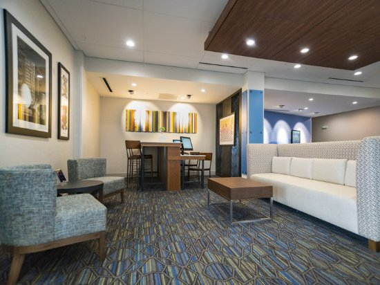 Holiday Inn Express & Suites Southaven Lobby Lounge
