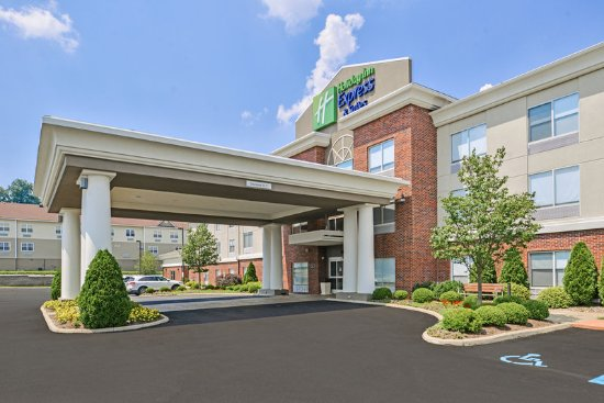 Holiday Inn Express & Suites Parkersburg - Mineral Wells: Hotel Exterior