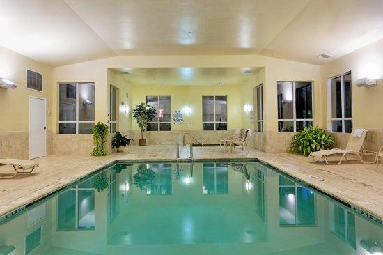 Holiday inn express mystic bewertungen fotos for Preisvergleich swimmingpool