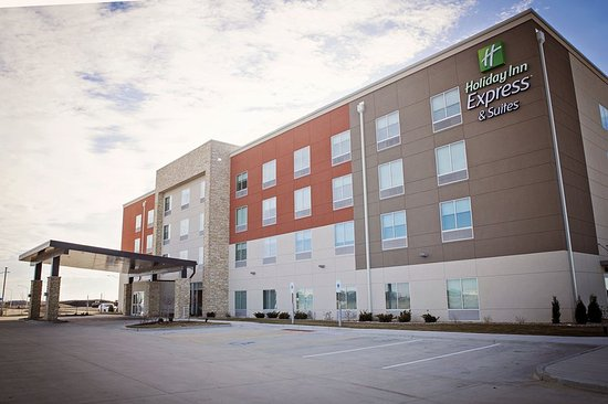 Rantoul, IL: Hotel Exterior