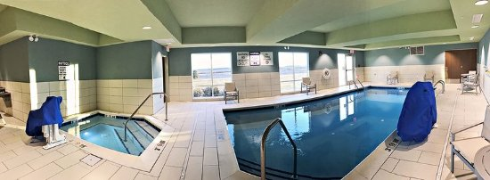 Rantoul, IL: Unwind in the Hot Tub & Pool Area!
