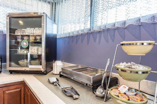 Aberdeen, North Carolina: Spacious breakfast area
