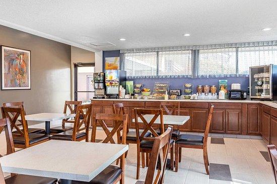 อาเบอร์ดีน, นอร์ทแคโรไลนา: Spacious breakfast area