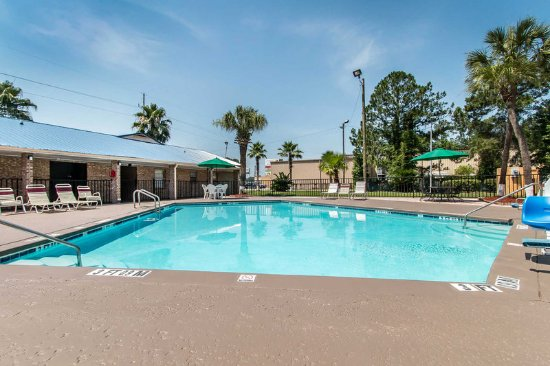 Hinesville, GA: Outdoor pool