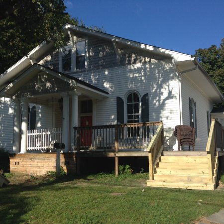 Livingston, TN: Our house was built in the late 1800s