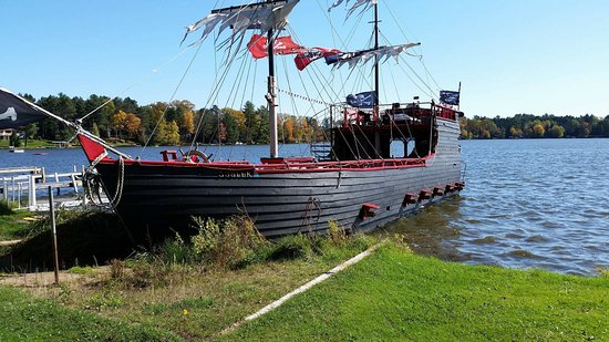 Eagle River, WI: Ship