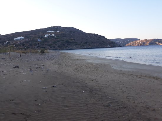 Kini, Greece: Παραλία Δελφίνι