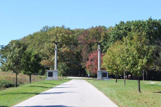 เวลลีย์ฟอร์จ, เพนซิลเวเนีย: Pennsylvania Columns