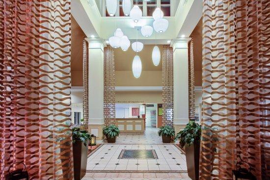 Chesterton, IN: Hotel Main Lobby