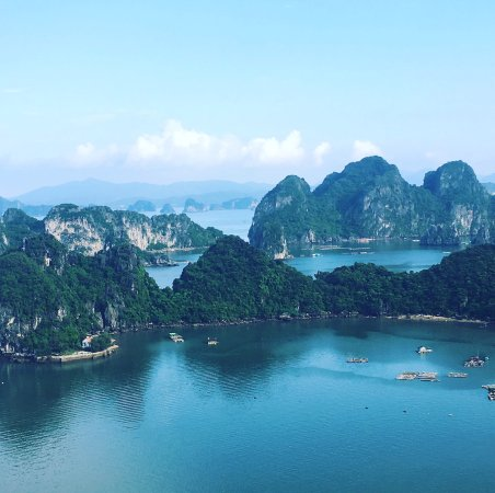 Ethnic Travel - Day Tours: Bai Tu Long Bay from the top of the mountain, the name of which I forgot