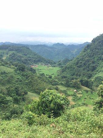 Ethnic Travel - Day Tours: Walking around Ba Be Lake