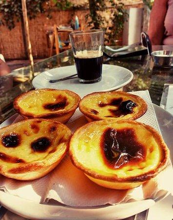 Anjuna, Indie: Pastel de Nata + Cafe