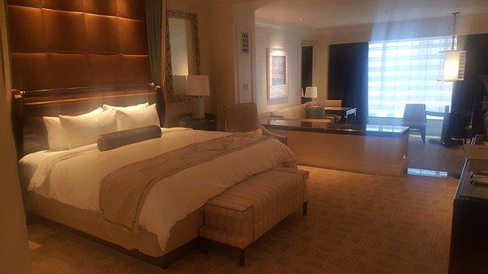 The Palazzo Resort Hotel Casino: 룸!